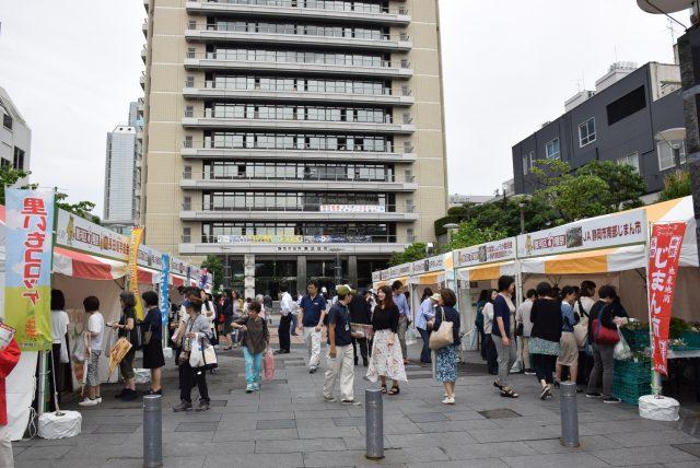 雨でも大にぎわい!『駿河区旬穫祭in葵スクエア』