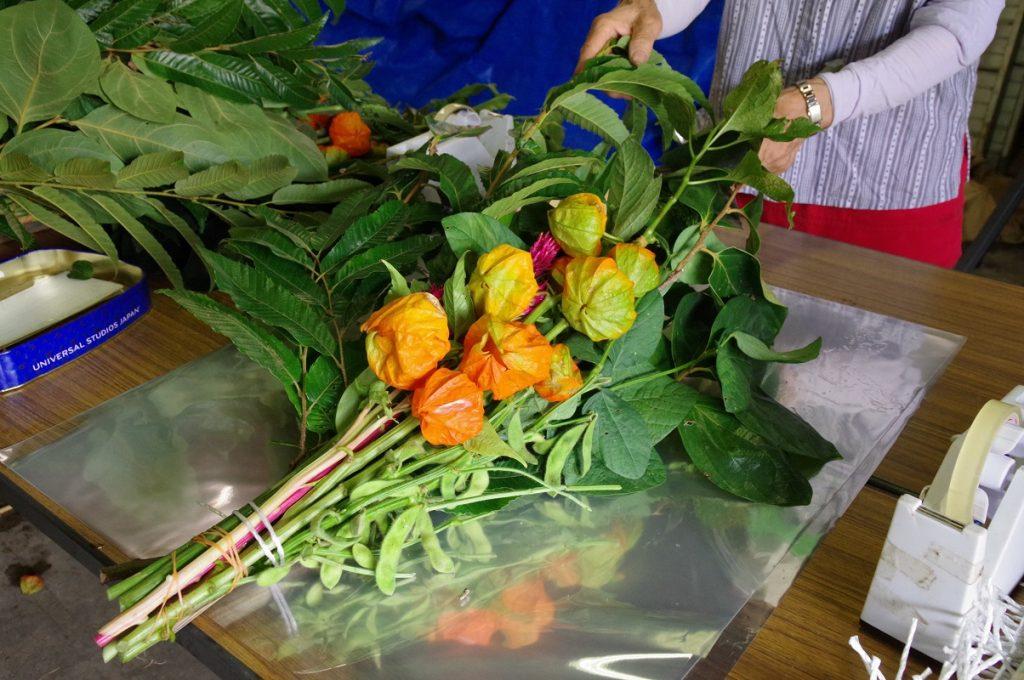 お盆には静岡の農産物を!お飾りセットの出荷がピークを迎えていますの画像