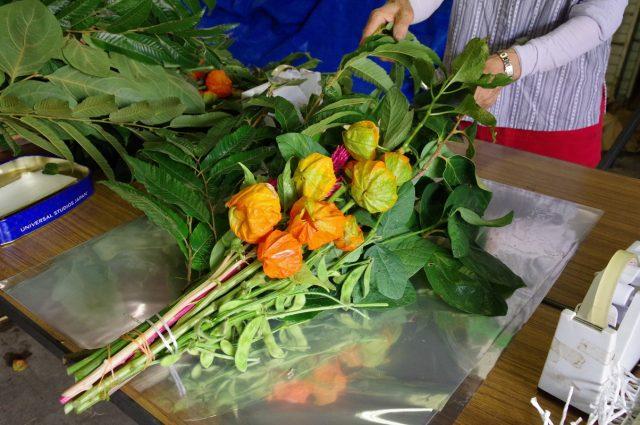 お盆には静岡の農産物を!お飾りセットの出荷がピークを迎えています